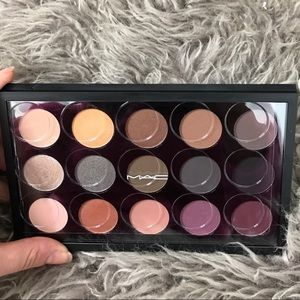 MAC Cosmetics Palette (Mellow Moderns)
